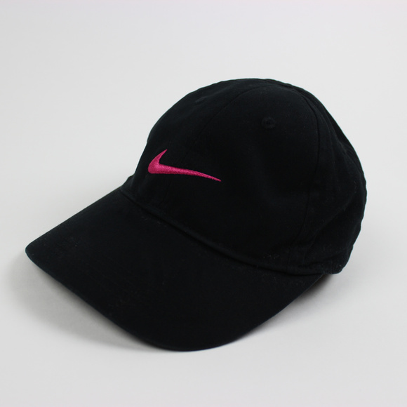 c22d7a7d1fbd2 Girl s Black Nike Hat with a Hot Pink Swoosh 4-6x.  M 5b4ff5566a0bb7e65db402e5